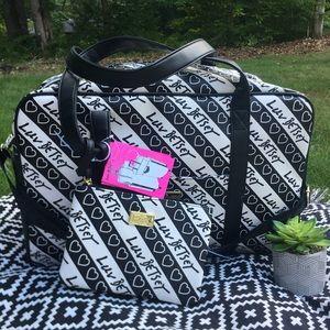 NWT Betsey Johnson LBCRUIZE Weekender Bag